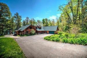Bayfield WI Log Vacation Home Rental