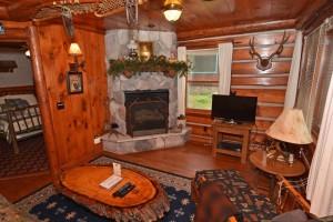 Grand Pines Resort Cabin 3